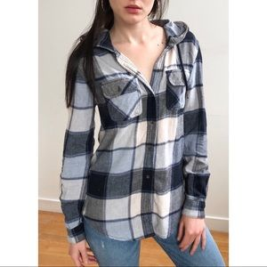 Cozy hooded plaid